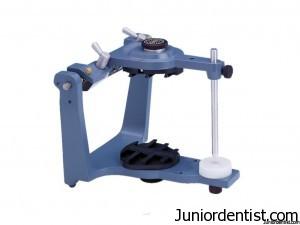 Dental articulator