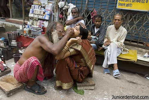 Street Dentistry in India
