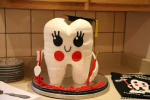 Cute Tooth Cake