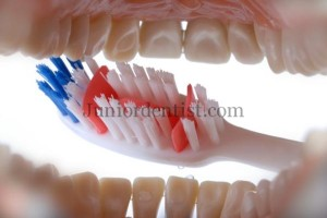 Common mistakes while Tooth Brushing