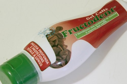 Coffee flavored toothpaste